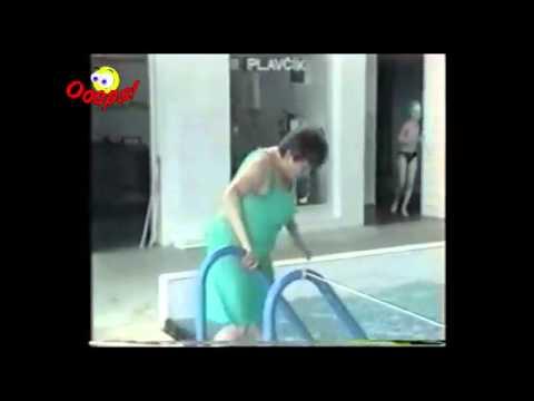 Tan nạn bể bơi- video vui nhộn.mp4