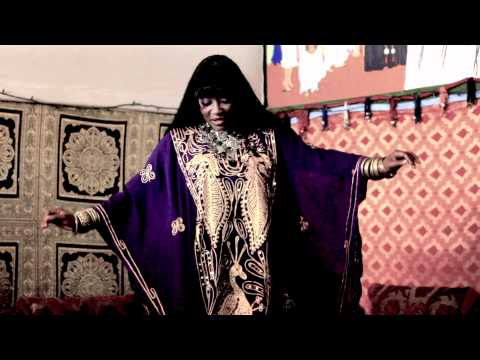 "Khadijah Performs ~ ""Wen Ant"""