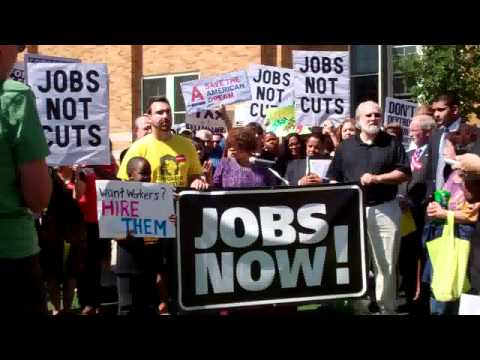 Rep. Schakowsky unveils the Emergency Jobs to Restore the American Dream Act