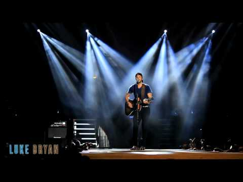 Dirt Road Diary - Live from the Luke Bryan Farm Tour 2012 Thumbnail image