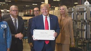 Trump visits Tim Cook at Apple Mac Pro plant in Texas