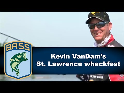 Kevin VanDam catches 2 big smallmouth on St. Lawrence