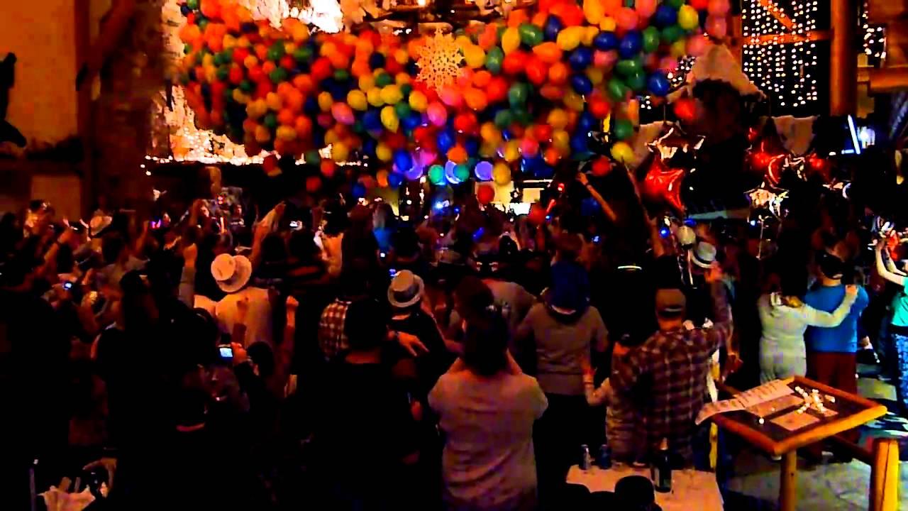 Balloon Drop New Years Eve Great Wolf Lodge  YouTube