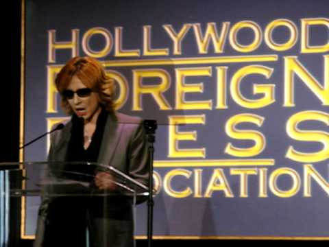 Yoshiki accepts NFFTY Grant award at HFPA
