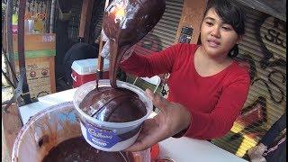 Jakarta Street Food 2758  Es Kepal Cadbury Coklatnya Dapet Creamnya Dapet YDXJ0083