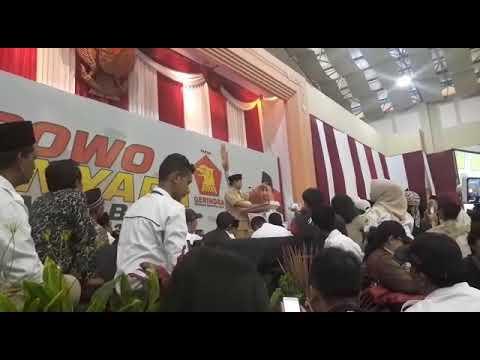 Ini cara Prabowo motivasi pendukungnya di Depok, Minggu (1/4/2018)