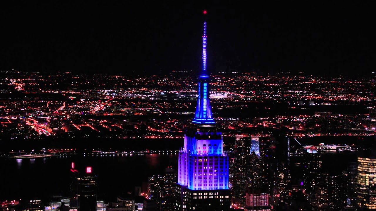 Empire State Building Lights For The Yankeesu0027 Subway Series Victory    YouTube