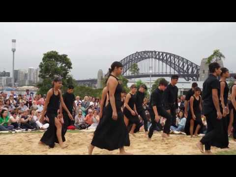 Dancing Aboriginal Women Barangaroo Australia Day 2017