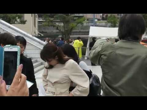 唐橋ユミさん 番組撮影前の打ち合わせ? 大相撲トーナメントにて
