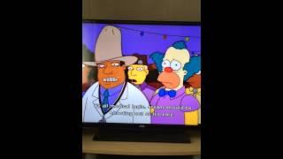 Homer Simpson eats red hot chilli (English)