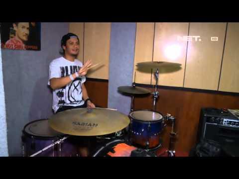 Entertainment News - Eno Netral mengajar drum