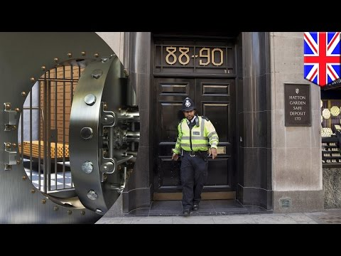 Hatton Garden jewellery robbery: thieves empty 300 safety deposit boxes from London vault