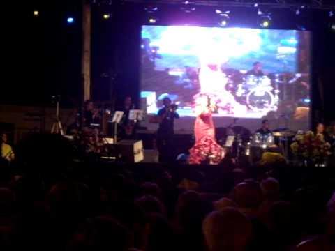 Actuación Ana Belen Lagares  Encrucijada   Velá de Santa Ana 2009