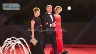 ظهور محمود حميدة بثقة كبيرة وسط الجميلات في ختام مهرجان القاهرة السينمائي