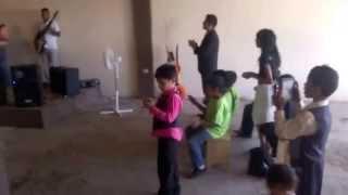 RELAF Comenzando culto en el poblado de la junta Cuahutemoc chihuahua Mayo 2014