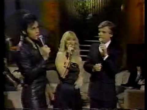 David Scott (Elvis) et Pierre Lalonde et Melody Stewart - Medley Elvis