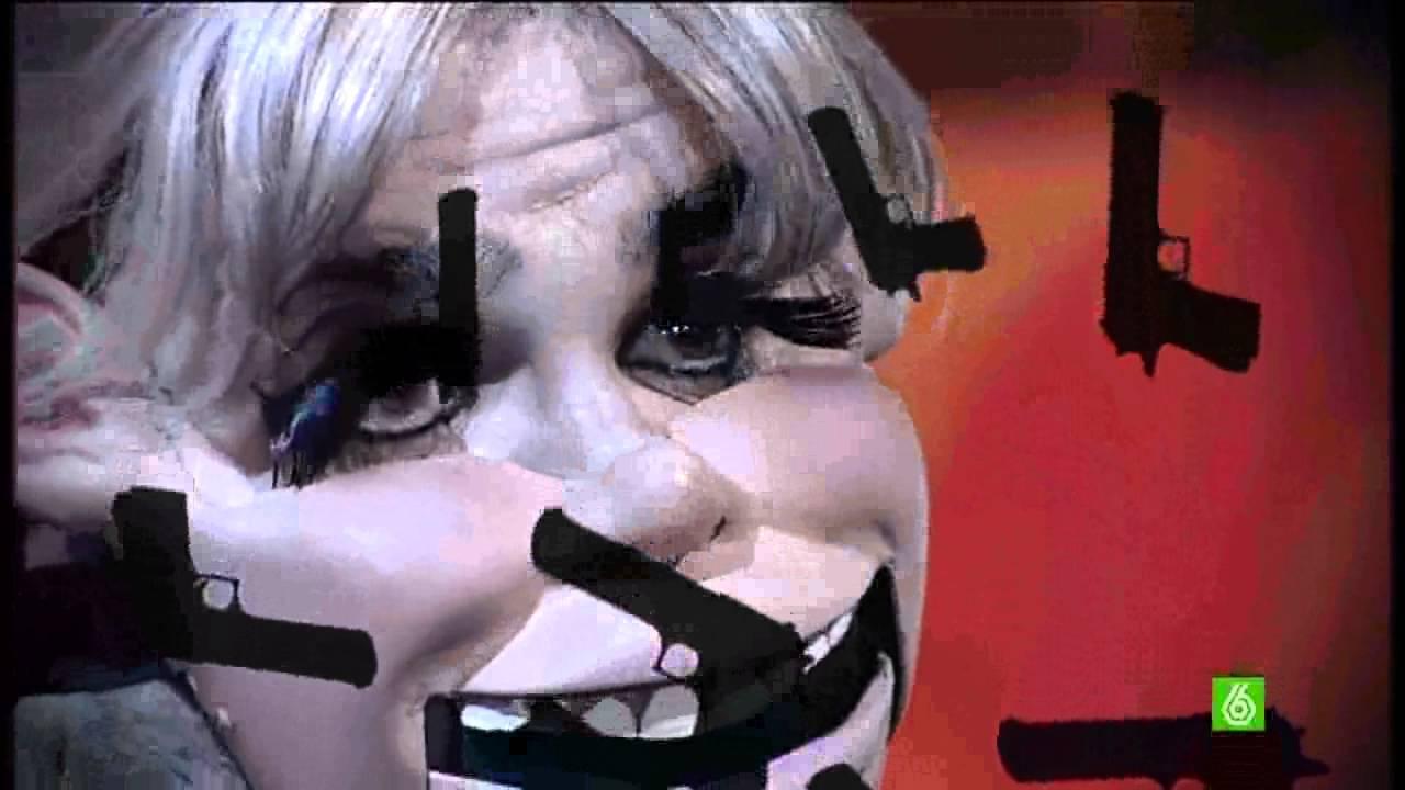 Flo imitando a Adele