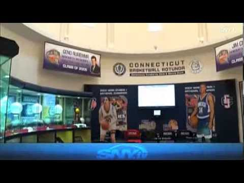 The Geno Auriemma Show: Husky Heritage Sports Museum Tour