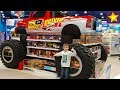Огромный детский магазин с огромными игрушками Big kids toys store