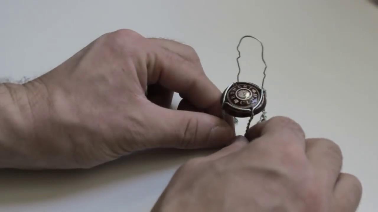 Fabriquer une chaise miniature youtube for Banc avec 2 chaises