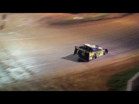 Late model feature at Lake Cumberland Speedway 5/13/17