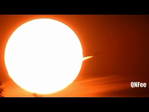 Flat Earth Ball Earth Reality : Planes Through The Sun , Must See