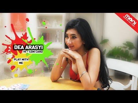 [HOT GAMES] KALAH BUKA BAJU!! MOOI VS DEA ARASYI DUEL HI-LOW CARD!!