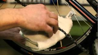 How to oil bicycle chain and derailer.