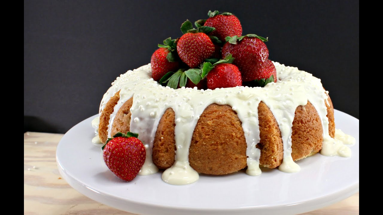 Easy Strawberry Bundt Cake Recipe