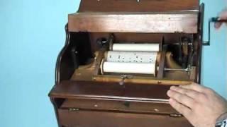 Organillo portátil Mandolina de 20 notas. 1870