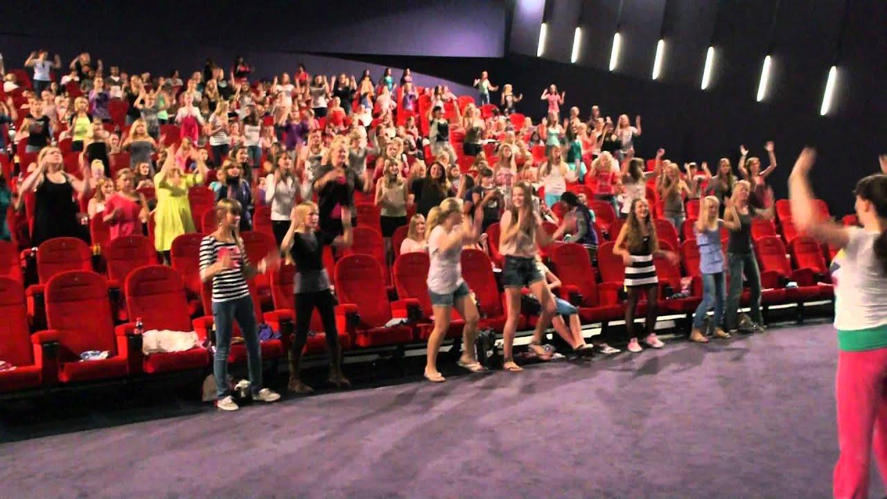 Glee workshop pathe de kuip rotterdam youtube for Pathe the kuip