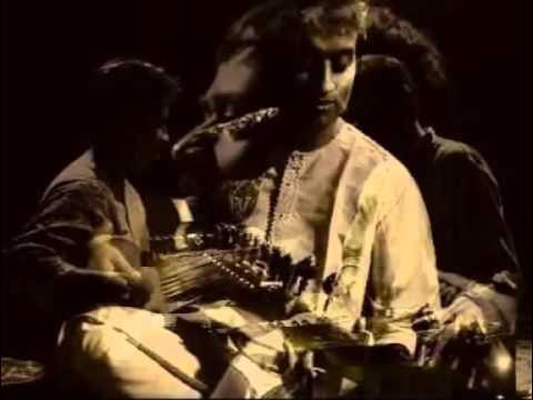 Amaro Porano Jaha Chay By Srikanto Acharya & Dr Rajiv ChakrabortyYouTube