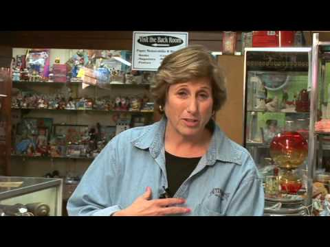 How to Sell Antiques : Selling Antiques: Local Classifieds