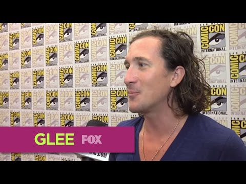GLEE | Interviews with Brad Falchuk & Ian Brennan (Comic-Con 2011 Pressline)