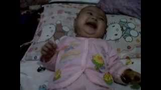 bayi 4 bulan ketawa terbahak-bahak [lucu]