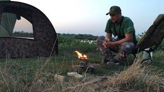 Рыбалка в адскую жару на карпа в августе 24 часа один на пруду странный водоём