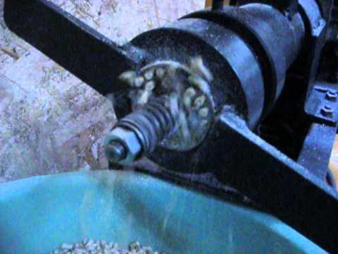 Шнековый гранулятор своими руками видео