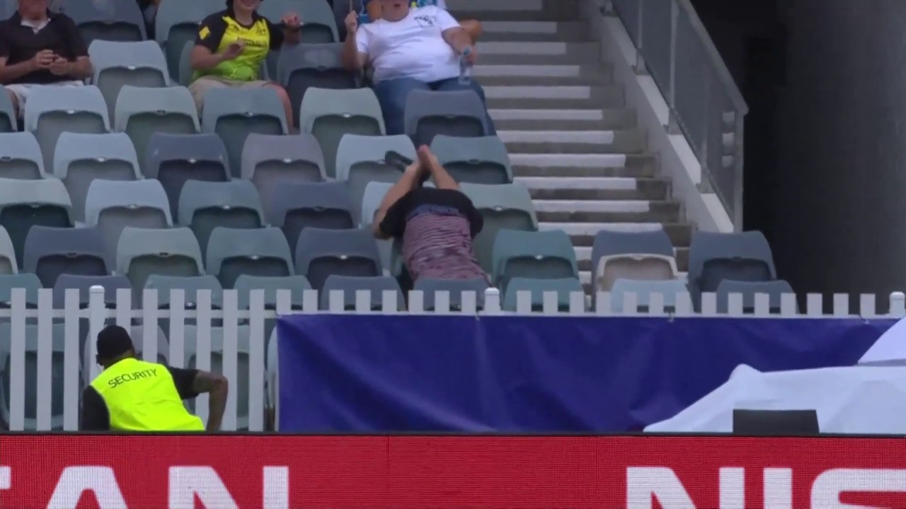 Incredible crowd catch at T20 World Cup!