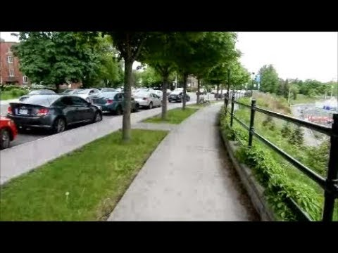 ( LANGUAGE ) WALKING VAN HORNE STREET IN MONTREAL'S COTE-DES-NEIGES BOROUGH