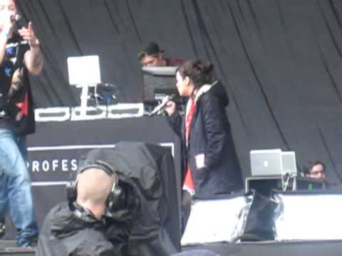 Professor Green & Lily Allen - Just Be Good To Green (Live @ Heaton Park, Manchester, 30.06.12)