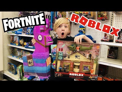 FORTNITE TOYS HUNTING & ROBLOX TOYS HUNTING *MASSIVE SCORE* On Brand NEW Wave Of Toys In Stores NOW!