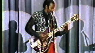 "Chuck Berry - Johnny Carson Show 1989 ""Carol"" & ""Little Queenie"""