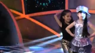 Julinha Durú canta Olha Ela de Novo   Mc Guimê 18 10 2014 Programa Raul Gil