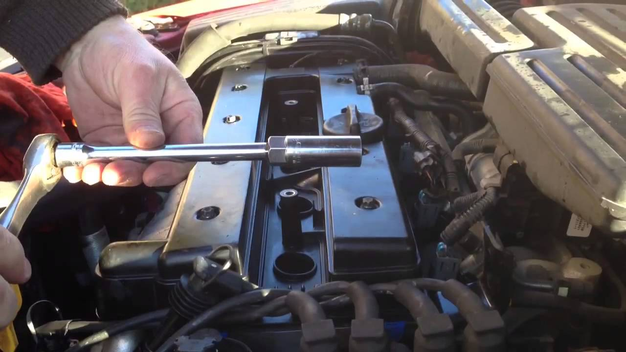 2008 Honda Fit Engine Cylinder Diagram Replacing The Spark Plugs In A 2008 Suzuki Reno Youtube