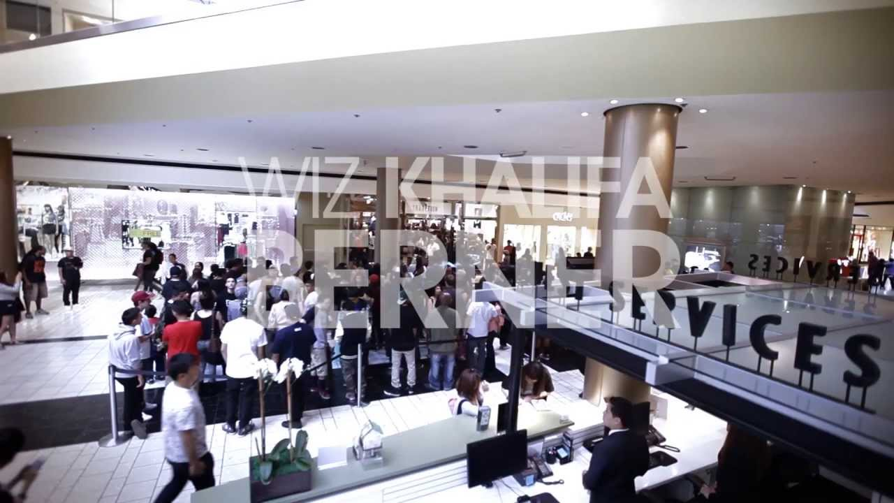 d554b180e13 Freshko pop up shop at Tradition inside the Beverly Center - YouTube