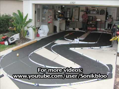 Home made mini z race track youtube for House of tracks