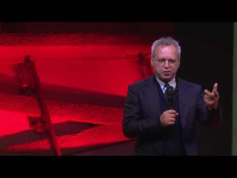 Mentana: Come reinventare il giornalismo nell'era della fake news | Enrico Mentana | TEDxTiburtino