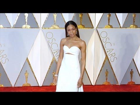 Naomie Harris 2017 Oscars Red Carpet