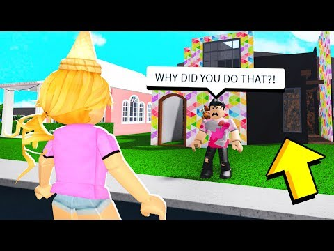 I CHEATED In A Build Off.. What My Brother Does Will Make You LAUGH!! (Roblox Bloxburg)