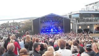 Carola sjunger Det Regnar i Stockholm 15 juli  2015 Solgården/Tylösand